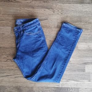 American Eagle Extreme Flex Faded Skinny Jeans 32